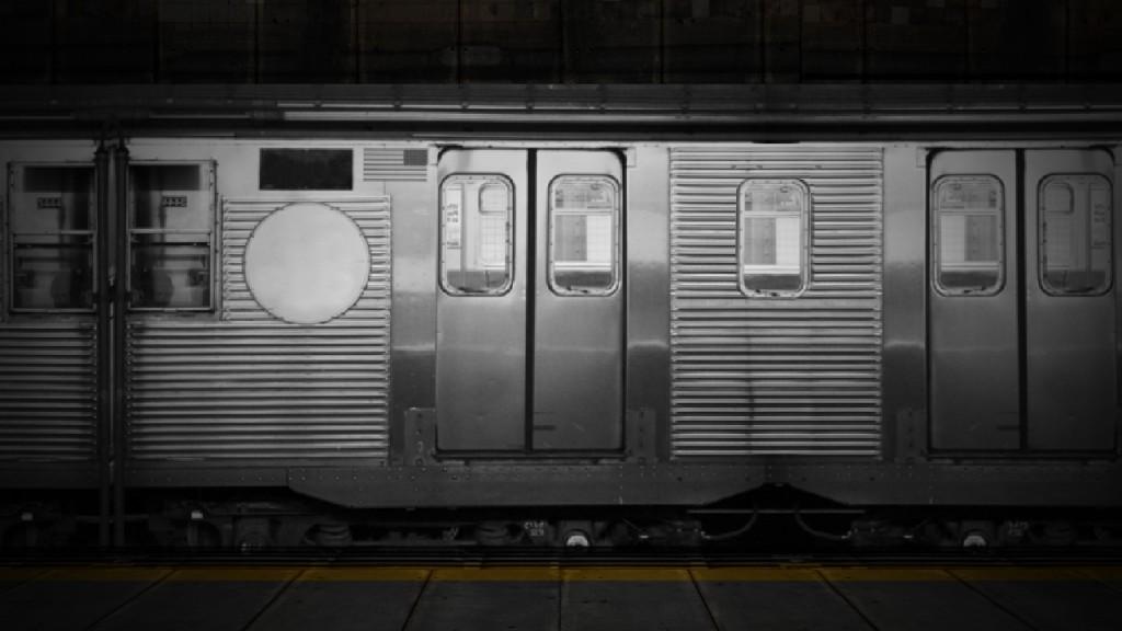 station (0;01;47;03)
